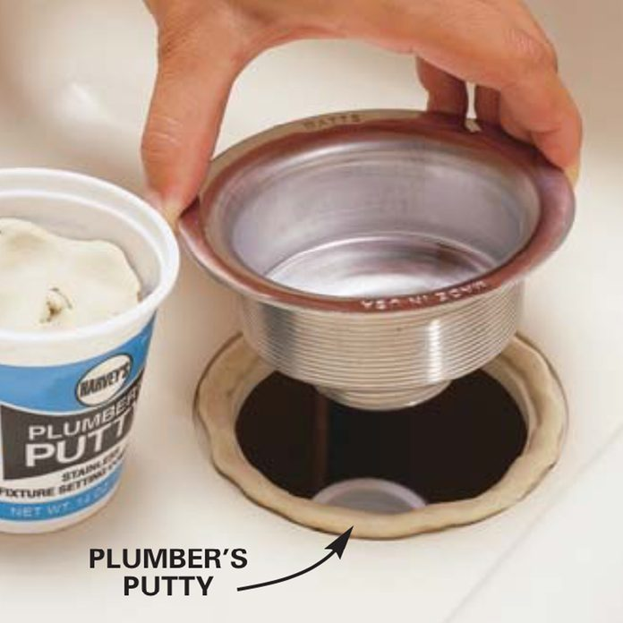 Apply pipe putty for waterproofing